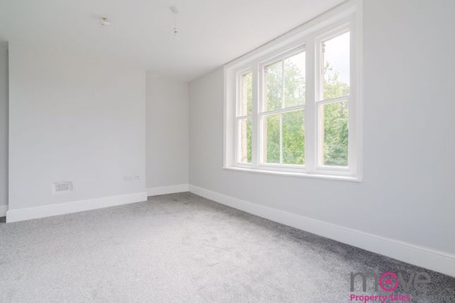Flat for sale in Park Road, Gloucester