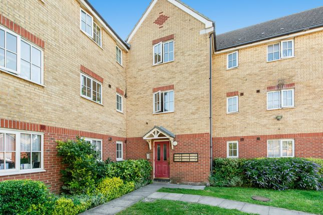 Thumbnail Flat for sale in Wagstaff Gardens, Dagenham