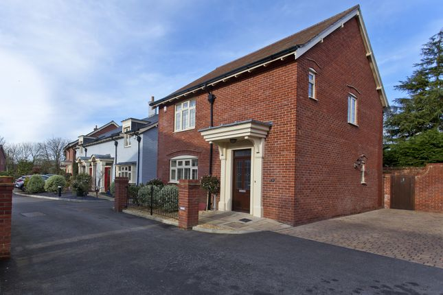 Thumbnail Detached house for sale in Homefield Close, Winkton