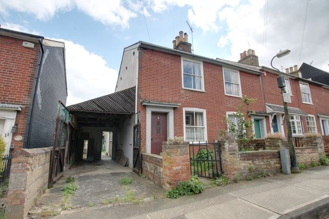 Thumbnail Cottage for sale in Castle Road, Colchester