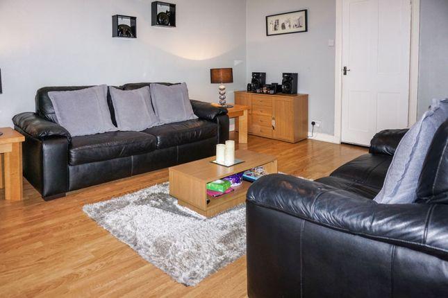 Lounge of Glenbervie Road, Aberdeen AB11