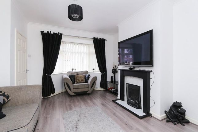 Thumbnail Terraced house to rent in Brunel Rd, Woodford
