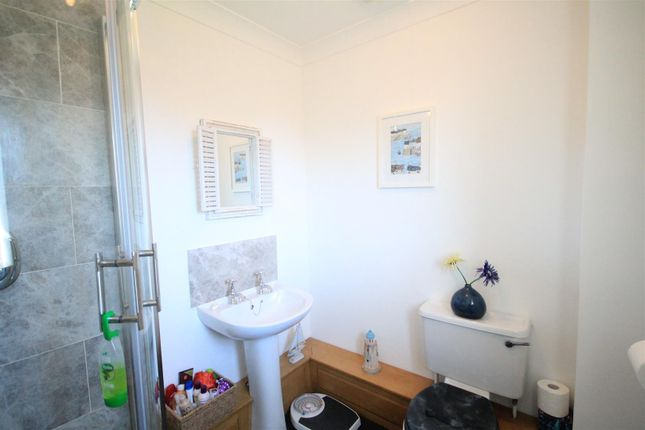 Ensuite of Richmond Close, Shildon DL4