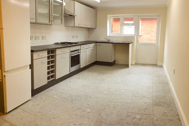 Thumbnail Semi-detached house to rent in Devonshire Road, London / Millhill