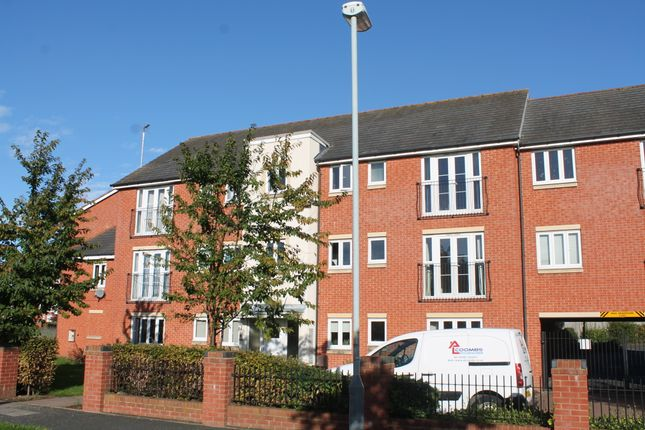 Thumbnail Flat to rent in Rosneath Close, Wolverhampton