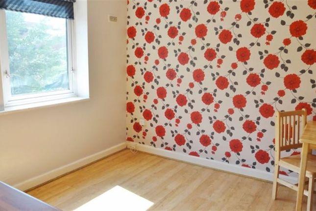 Thumbnail Flat to rent in Langton Road, Harrow