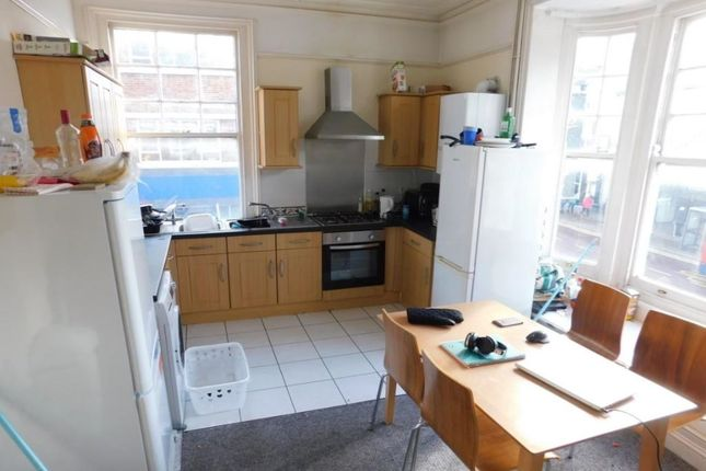 Thumbnail Property to rent in Edinburgh Road, Portsmouth