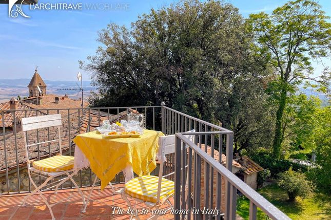 Town house for sale in Tuscany, Pisa, Lajatico