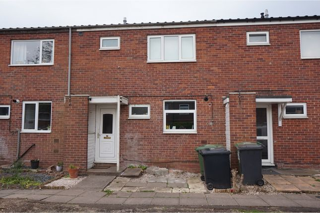 Thumbnail Terraced house for sale in Hampton Close, Redditch