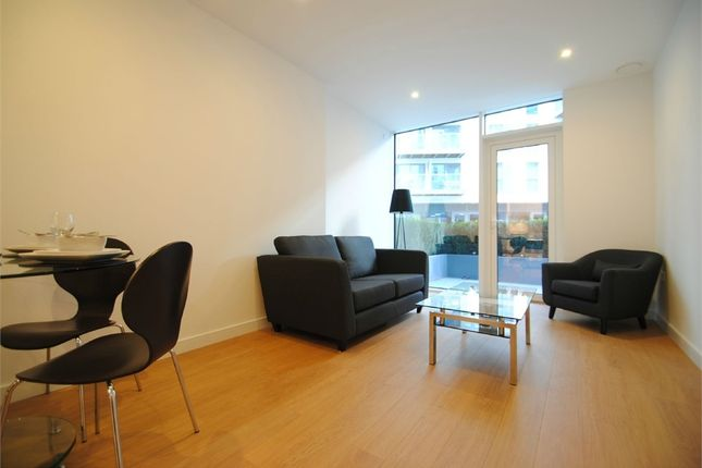 Thumbnail Flat for sale in Waterhouse Apartments, Saffron Central Square, Croydon