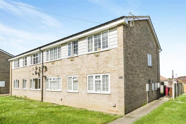 Thumbnail Flat to rent in East Dale Drive, Kirton Lindsey, Gainsborough