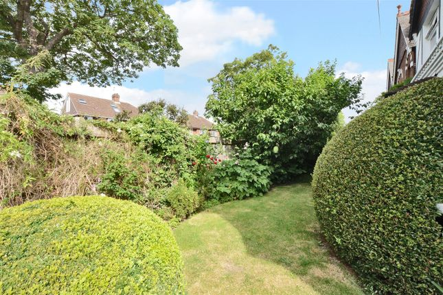 Highres1900811 of Angel Road, Thames Ditton KT7