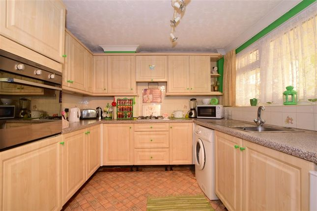 Thumbnail Maisonette for sale in Market Avenue, Wickford, Essex