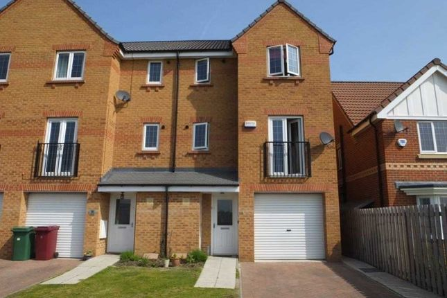 Thumbnail Town house for sale in Farlow Road, Dronfield Woodhouse, Derbyshire