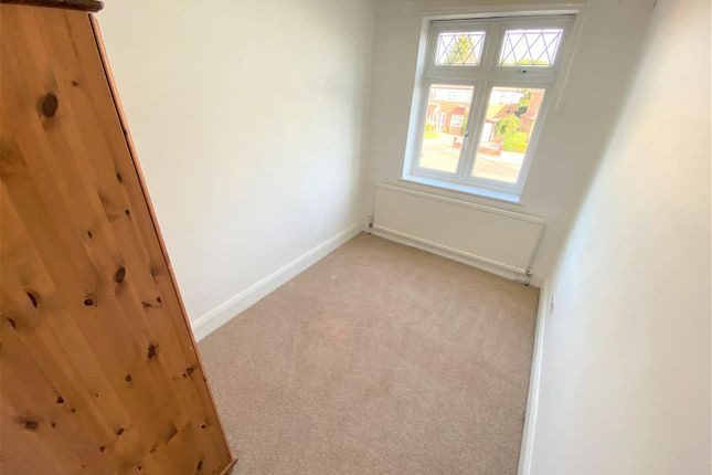 Double Bedroom of Chalgrove Crescent, Clayhall, Ilford IG5