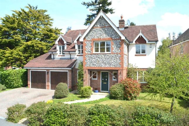 Thumbnail Detached house for sale in Heather Gardens, Newbury, West Berkshire
