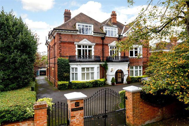 Thumbnail Flat for sale in Parkside, London