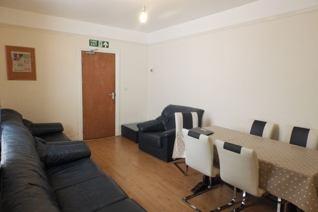 Thumbnail Shared accommodation to rent in Glanbrydan Avenue, Uplands, Swansea