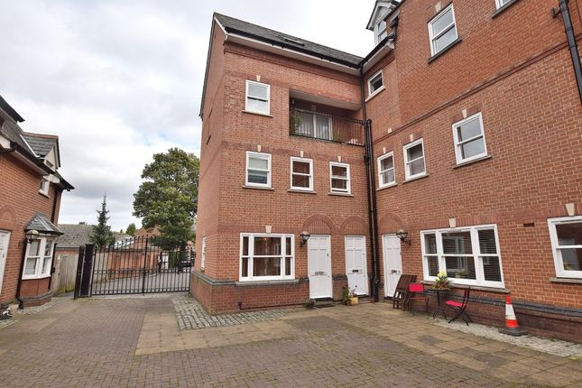Thumbnail Flat for sale in Bentfield Road, Stansted