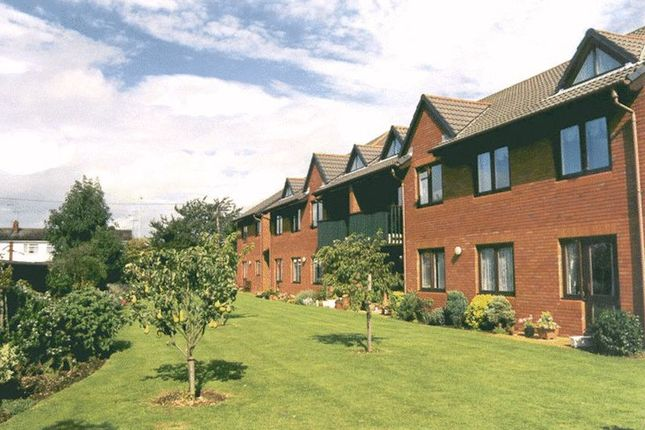 1 bed flat for sale in Magnolia Court, Reading RG5