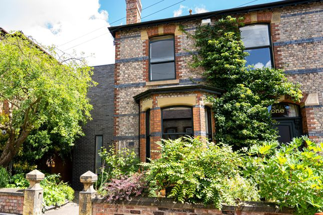 Thumbnail Town house for sale in Hesketh Avenue, Didsbury, Manchester