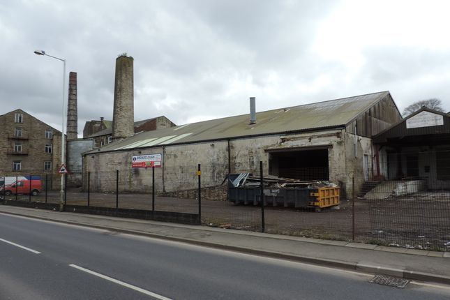 Light industrial to let in Burnley Road, Bacup