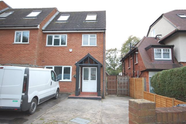 4 bed property to rent in Priory Close, Finchley, London