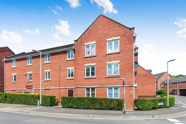 Thumbnail Flat for sale in Kinnerton Way, Exeter