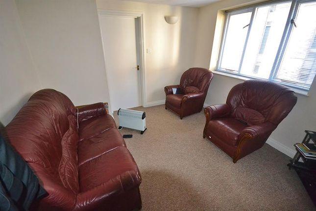 Lounge of New Bridge Street, Exeter EX4