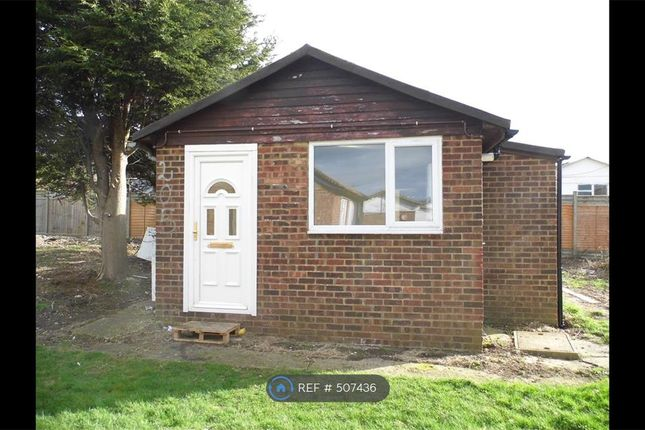 2 bedroom detached house to rent in Saddlebrook Park, Isle Of Sheppey