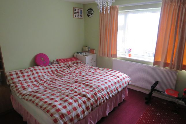 Bedroom 1 of Cromwell Road, Ware SG12