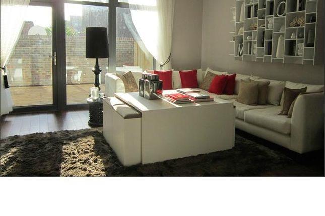 Thumbnail Flat to rent in Arundel Court, 126 Lambeth Walk, Lambeth, London