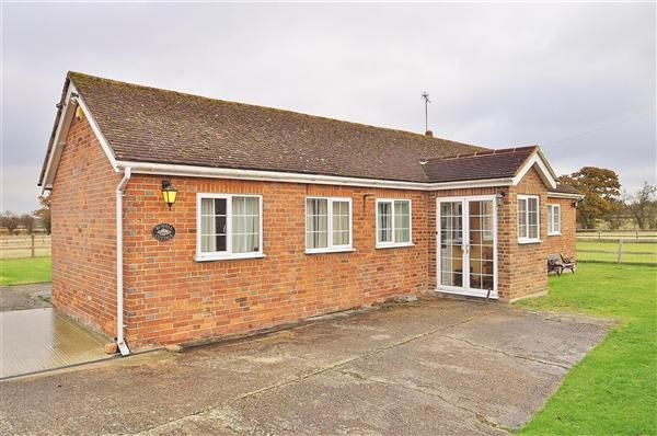 Thumbnail Bungalow for sale in Bethersden, Ashford
