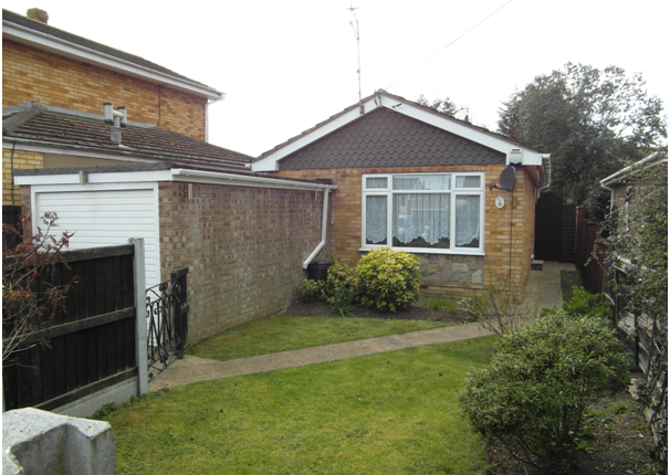 Thumbnail Detached bungalow to rent in Denham Road, Canvey Island