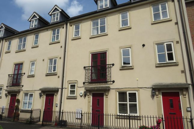 Thumbnail Property to rent in Chapel Mews, Chippenham
