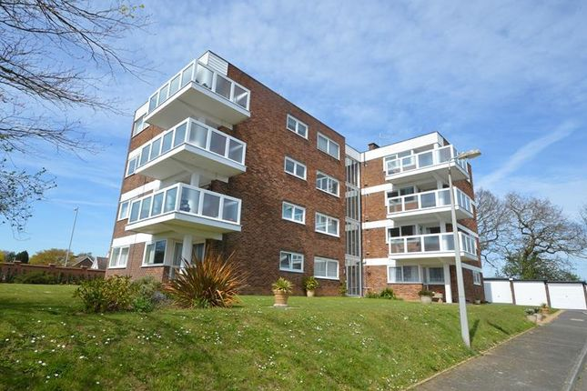 Thumbnail Flat to rent in Barnhorn Road, Bexhill-On-Sea