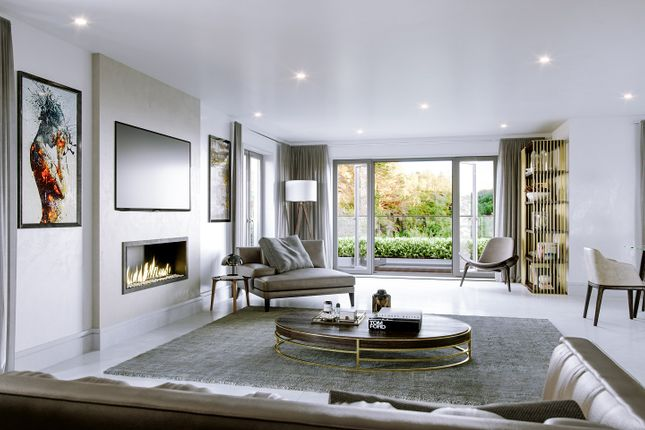 Thumbnail Flat for sale in Chigwell Road, Chigwell