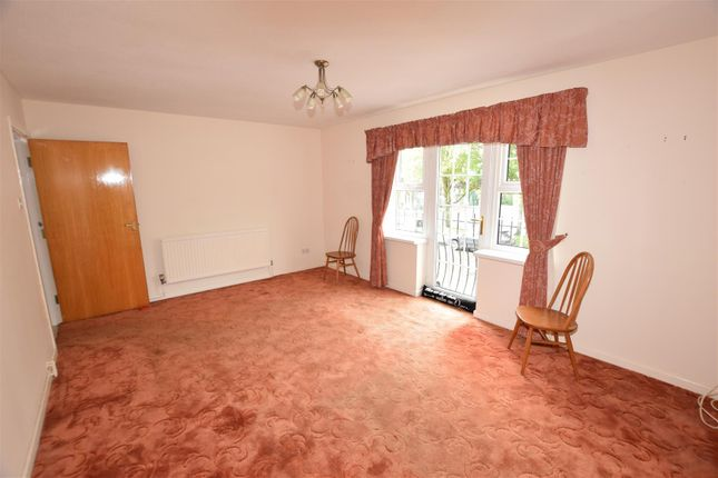 Living Room of Gladstone Court, Buttrills Road, Barry CF62