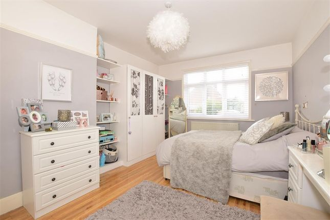 Bedroom 2 of Stakes Hill Road, Waterlooville, Hampshire PO7