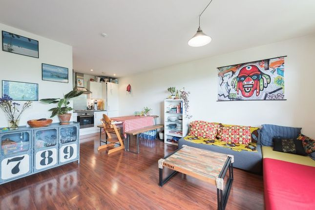 2 bed flat for sale in Tay Court, Meath Crescent, London