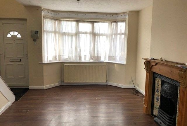 Thumbnail Property to rent in Repton Avenue, Hayes, Middlesex