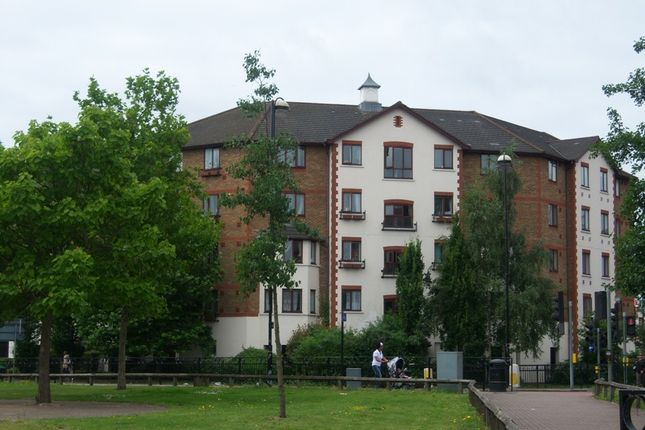 Thumbnail Flat to rent in Juniper Court, Hanworth Road, Hounslow