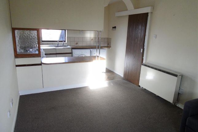 Thumbnail Flat to rent in Rogerstone Avenue, Penkhull, Stoke-On-Trent