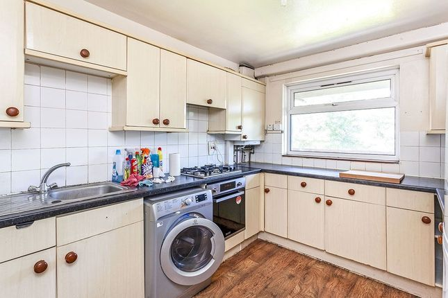 Thumbnail Flat to rent in Lovelinch Close, London