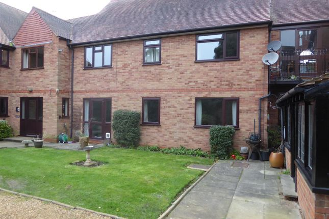 Thumbnail Flat to rent in St. Gregorys Road, Stratford-Upon-Avon
