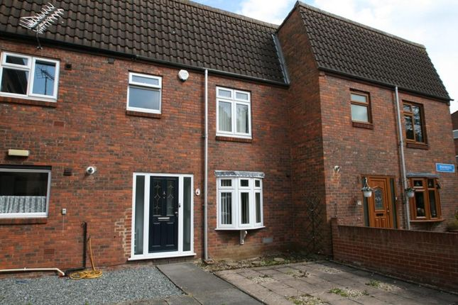 3 bed terraced house to rent in Sparkbridge, Laindon, Basildon SS15
