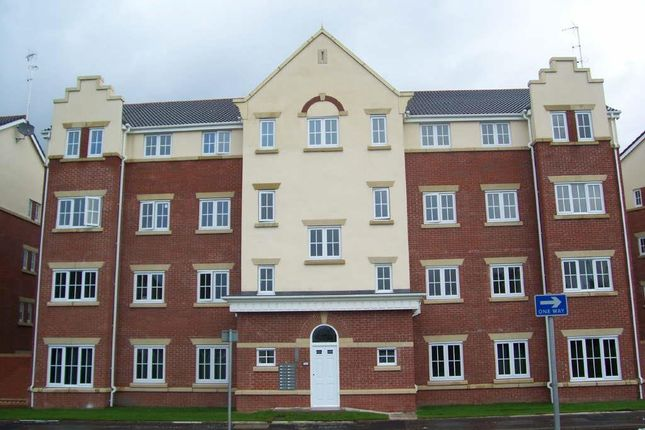 Thumbnail Flat to rent in Hyde Road, Gorton, Manchester
