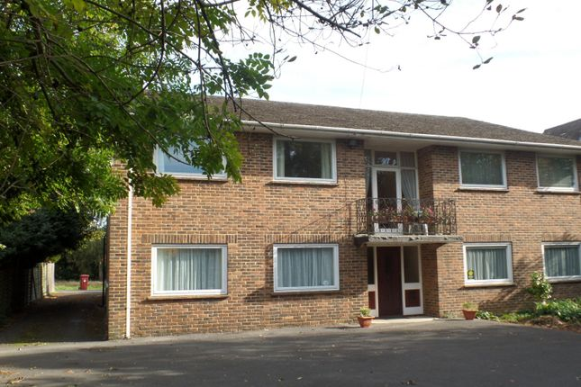 Thumbnail Flat to rent in Lavant Road, Chichester
