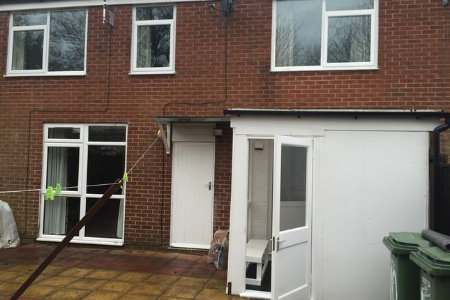 Thumbnail Terraced house to rent in Kineton Close, Redditch
