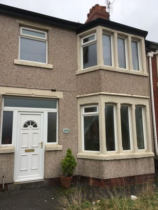 Thumbnail Semi-detached house to rent in Warbreck Drive, Bispham, Blackpool